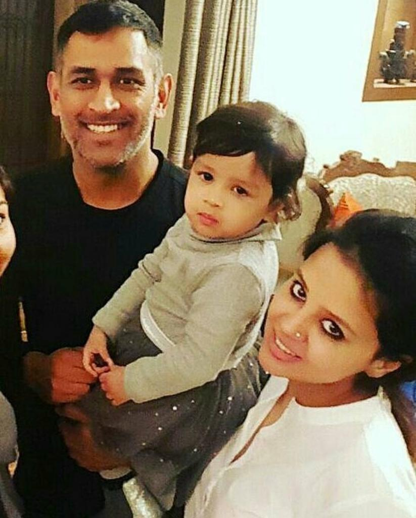 ms dhoni and his wife2 jpg